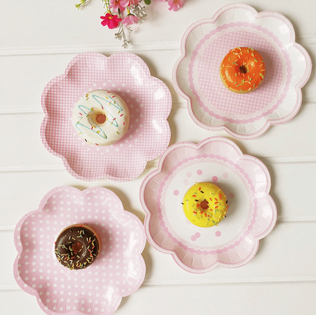 Paper plates for less washing up | Beanstalk Mums