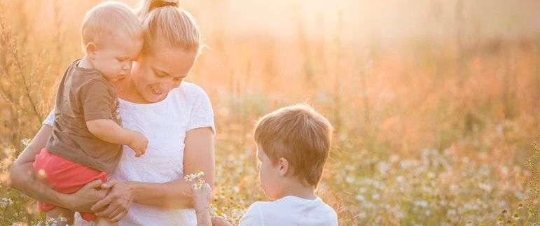 Valentine's Day survival guide for single mothers | Beanstalk Mums