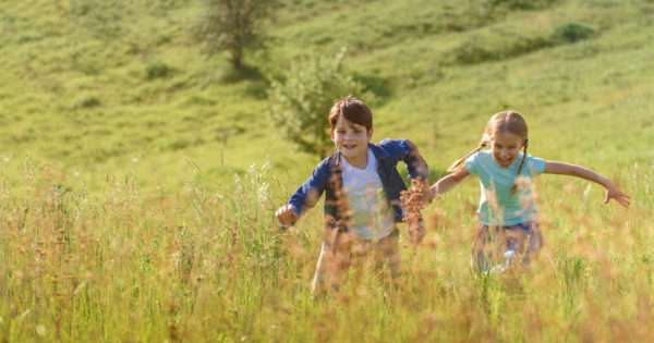 What the hell is free range parenting? | Beanstalk Mums