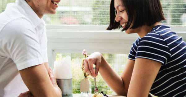 55 First date questions to break the ice | Beanstalk Mums