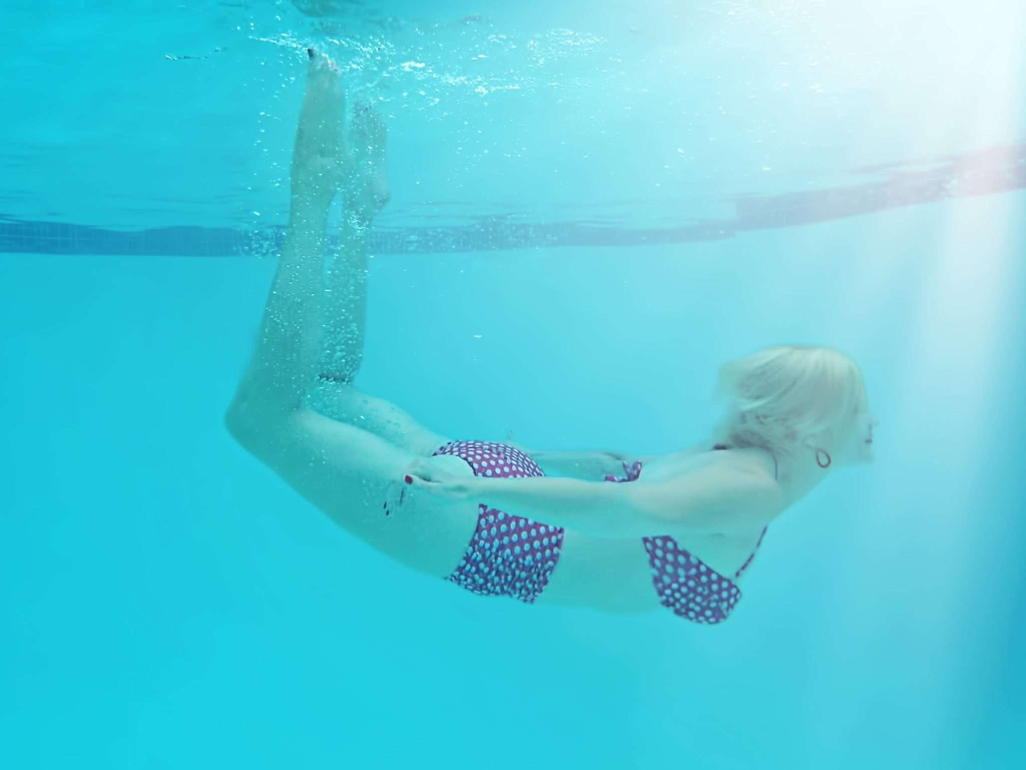 Mum going swimming | Beanstalk Mums