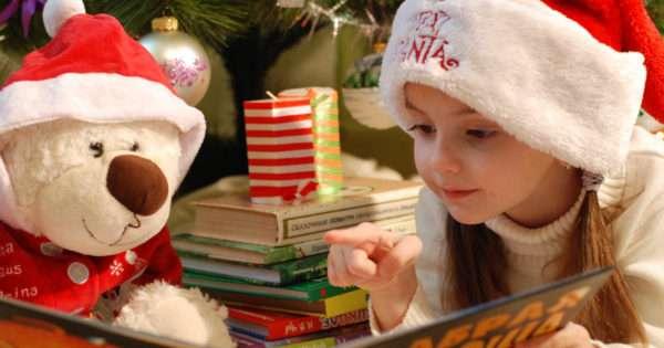 Little girl stocking stuffers | Beanstalk Mums