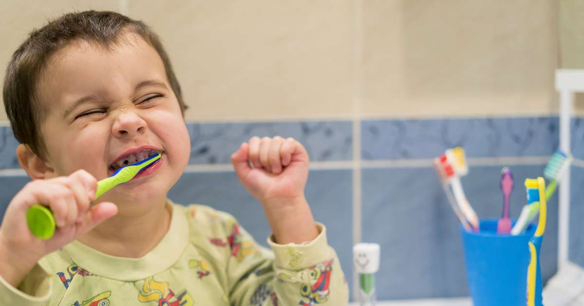 6 Terrifying facts to scare your kids into brushing their teeth | Beanstalk Mums