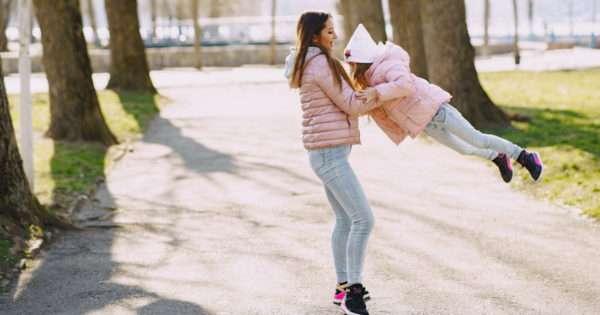 6 Single mother hacks for entertaining kids   Beanstalk Mums