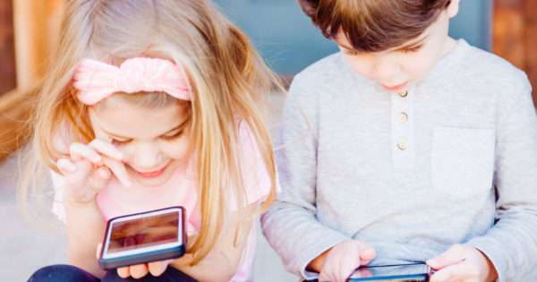 10 Ways to keep your kids safe online | Beanstalk Mums