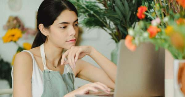 5 Tips for picking the right flowers online for any event