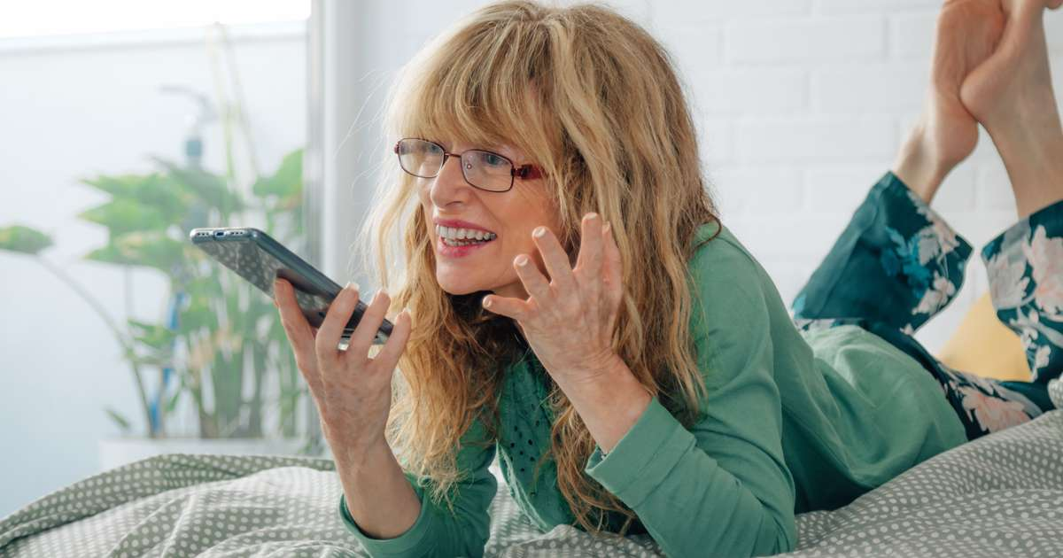 Dating apps for the over 40's   Beanstalk Mums