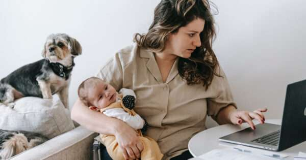 How single moms can apply for emergency loans